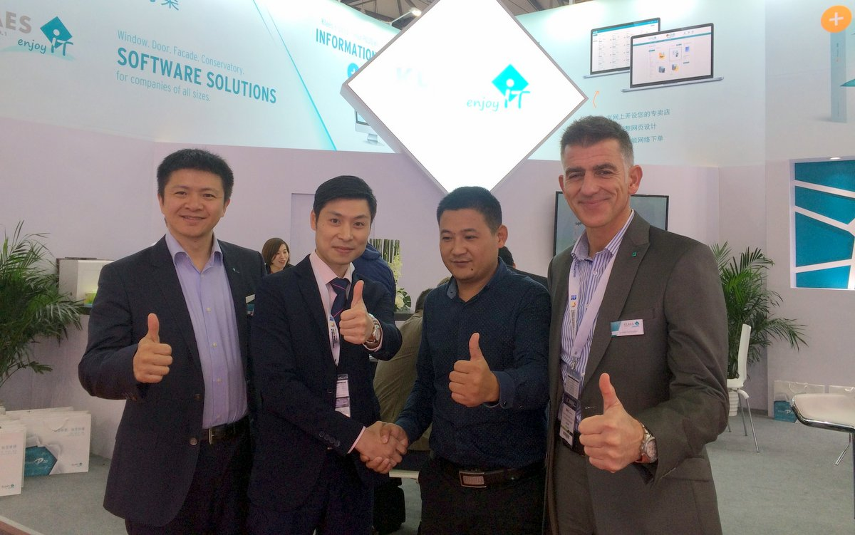 Klaes at the Fenestration Shanghai 2017 - and another new customer – it's going well ...